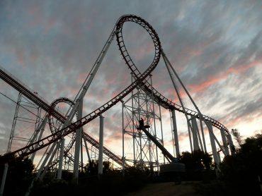 Amusement park ride viper