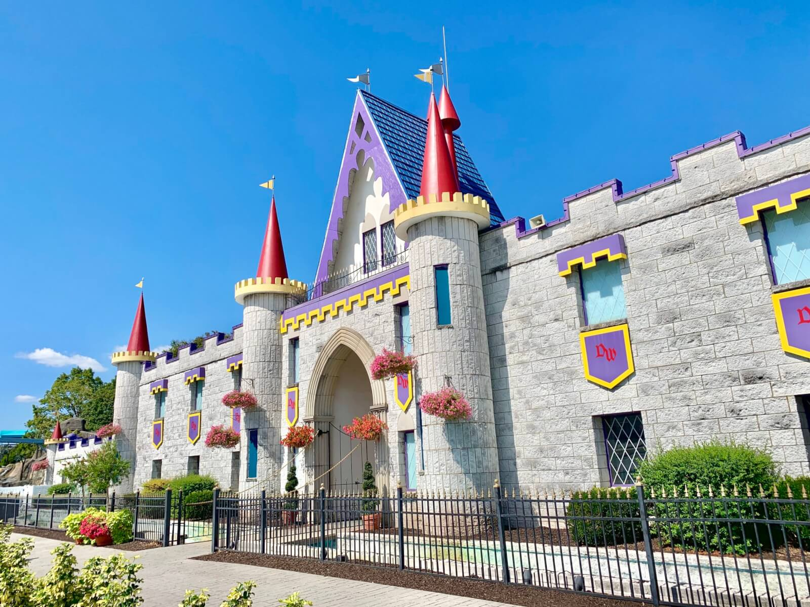 The castle entrance of Dutch Wonderland Family Amusement Park